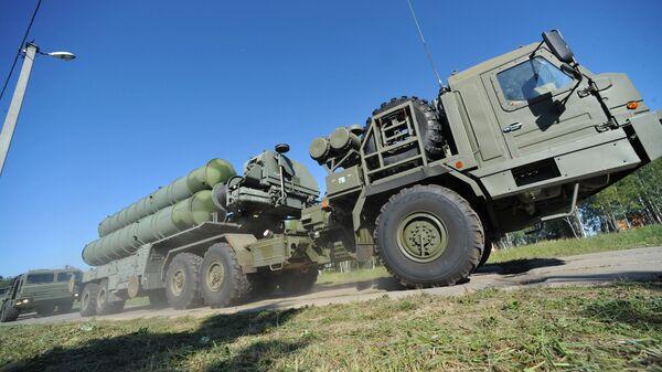 Krievijas zenītraķešu komplekss S-400 - Sputnik Latvija