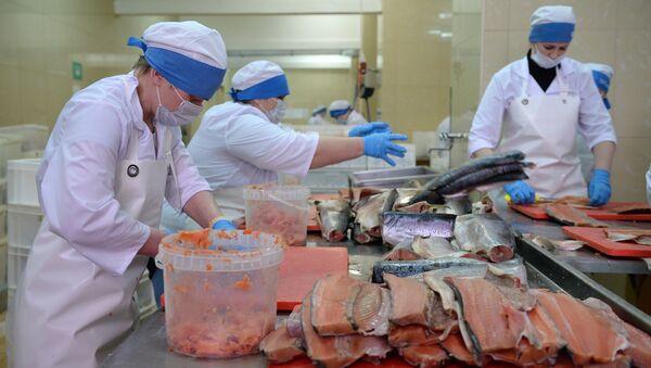 Перерабатывающий рыбозавод - Sputnik Латвия