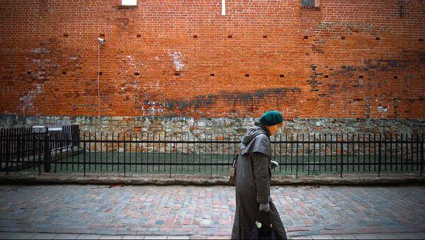 Прохожая на улице - Sputnik Латвия