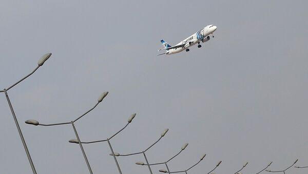 Самолет авиакомпании EgyptAir - Sputnik Latvija