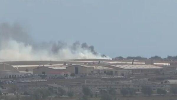 Густой дым поднимался над местом крушения американского B-52 в Гуаме - Sputnik Latvija