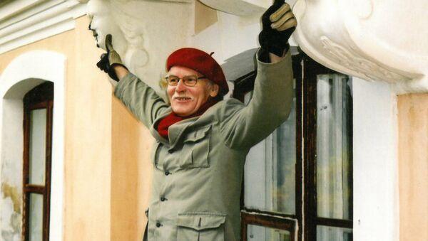Юри Куускемаа живет в Старом городе и чувствует себя здесь как рыба в воде. - Sputnik Латвия