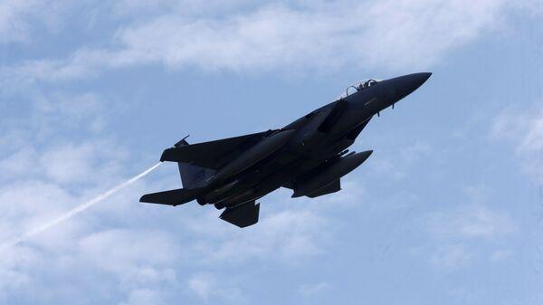 Истребитель F-15 Eagle на военной авиабазе в Лиелварде - Sputnik Латвия