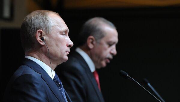 Президент России В.Путин и президент Турции Реджеп Тайип Эрдоган - Sputnik Латвия