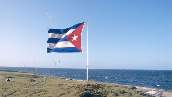 Кубинский флаг над набережной Маликон - Sputnik Latvija