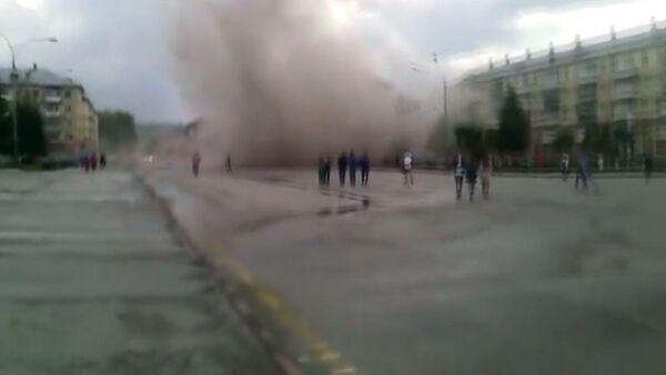 Первые кадры после обрушения подъезда пятиэтажки в Междуреченске - Sputnik Латвия