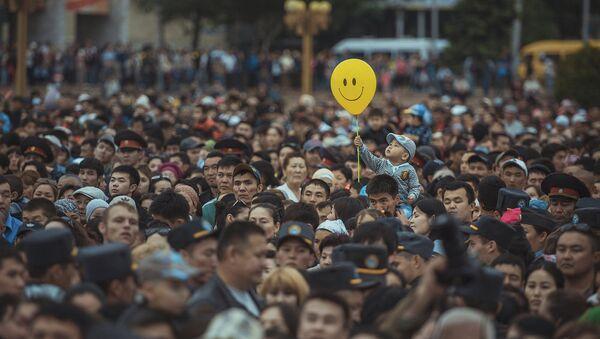 Tabildi Kadirbekovs ieņēma trešo vietu konkursā – viņa uzņēmums, kurā iemūžināts kadrs no Mātes dienai veltītā koncerta Kirgizstānas galvaspilsētā, tika atzīts par vienu no labākajiem. - Sputnik Latvija
