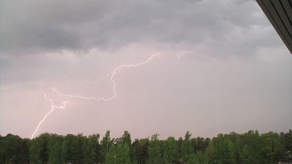 Молния во время грозы - Sputnik Latvija