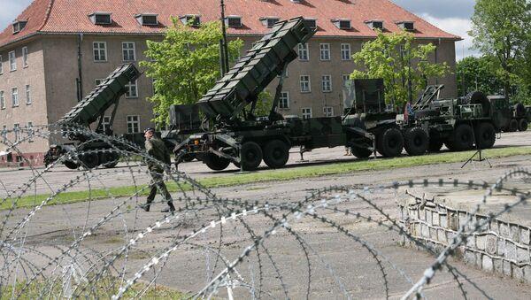 Pretraķešu kompleksi Patriot - Sputnik Latvija