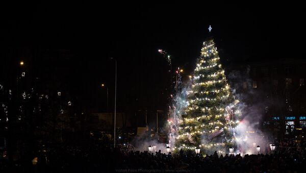 Rietumu kristīgā pasaule svin Kristus dzimšanas svētkus - Sputnik Latvija