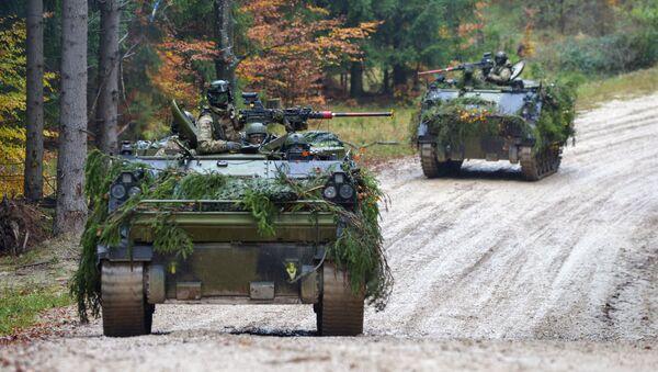 Датская военная техника во время военных учений Combined Resolve III - Sputnik Латвия