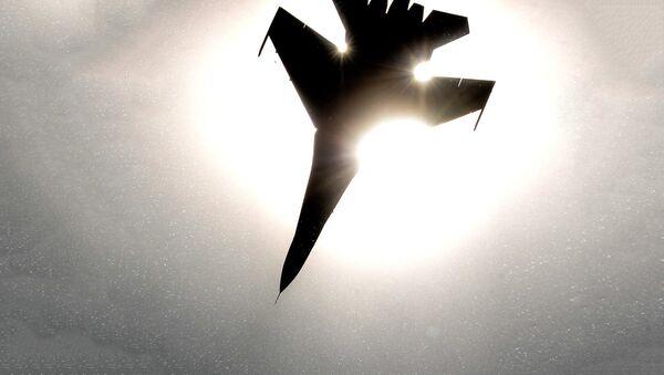 Истребитель Су-27 - Sputnik Latvija
