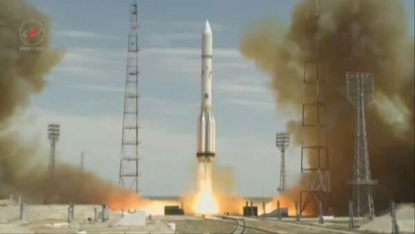 Кадры старта ракеты Протон-М с американским спутником связи с Байконура - Sputnik Латвия
