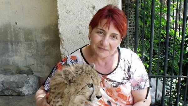 Гулико Читадзе, главная няня-смотрительница тбилисского зоопарка - Sputnik Латвия