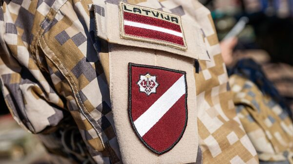 Шеврон солдат латвийской армии - Sputnik Латвия