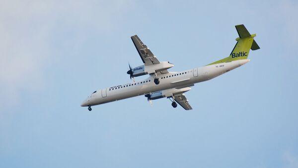 Самолет Bombardier компании AirBaltic - Sputnik Латвия