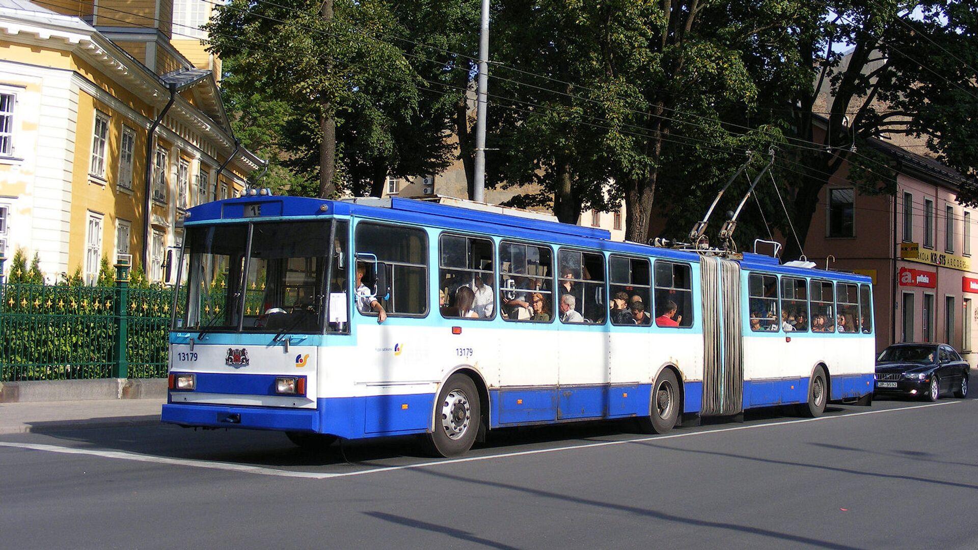 Троллейбус №15 в Риге - Sputnik Латвия, 1920, 15.07.2021