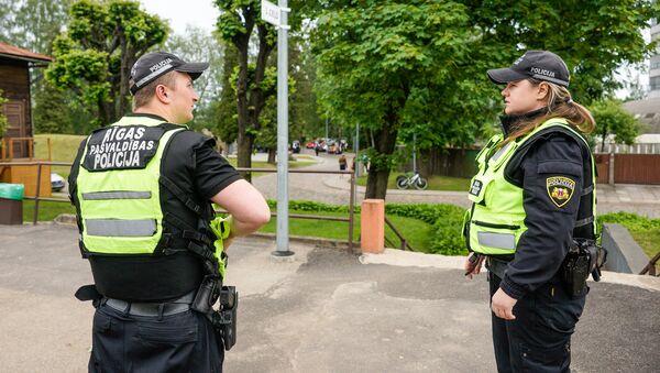 Полицейские на улицах Риги - Sputnik Латвия