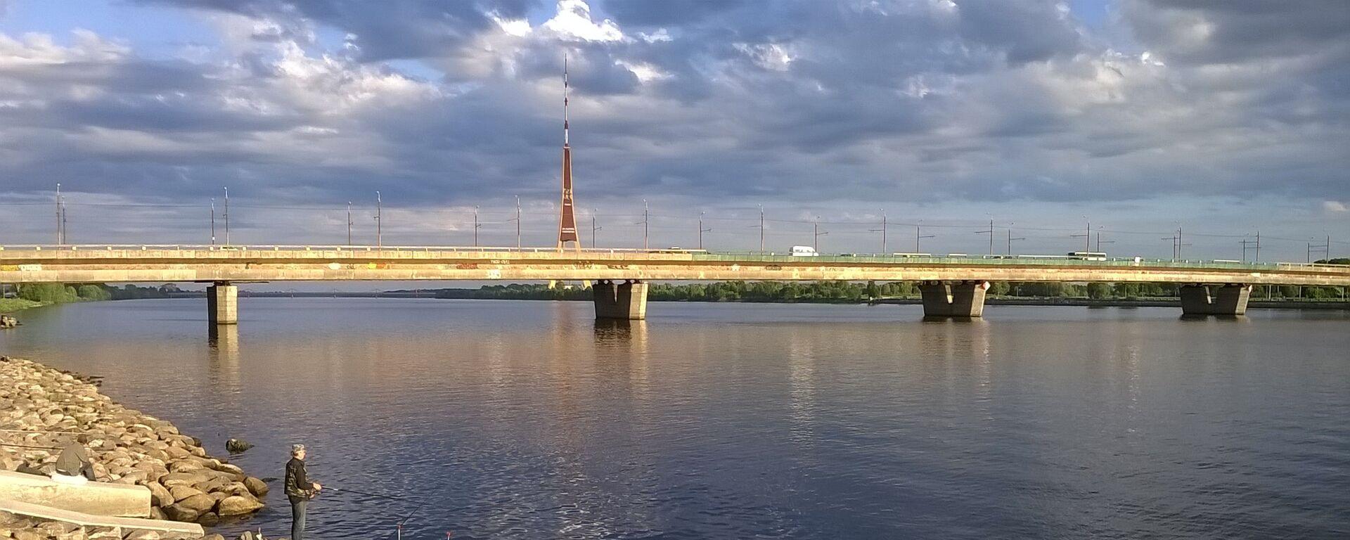 Островной мост (Salu tilts) в Риге - Sputnik Латвия, 1920, 18.09.2021