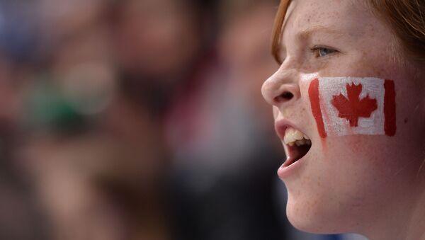 Болельщик сборной Канады по хоккею. - Sputnik Латвия