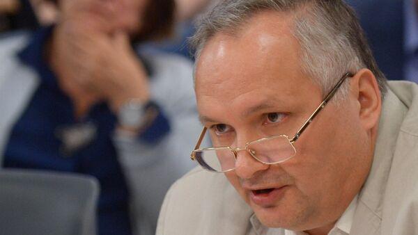 Российский политолог, заместитель декана факультета мировой экономики и мировой политики НИУ ВШЭ Андрей Суздальцев - Sputnik Латвия