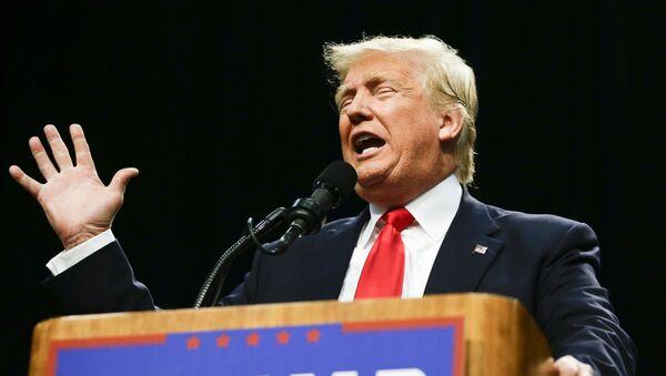 Республиканский кандидат в президенты Дональд Трамп - Sputnik Latvija
