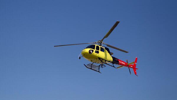 Транспортный многоцелевой одномоторный вертолет французской фирмы Eurocopter AS350 - Sputnik Латвия