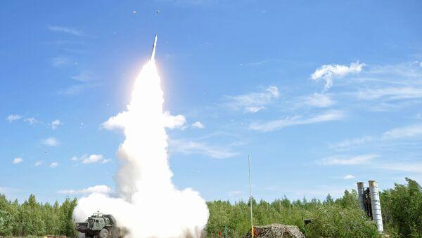 Pretgaisa aizsardzības sistēmas raķešu apšaudes mācības - Sputnik Latvija