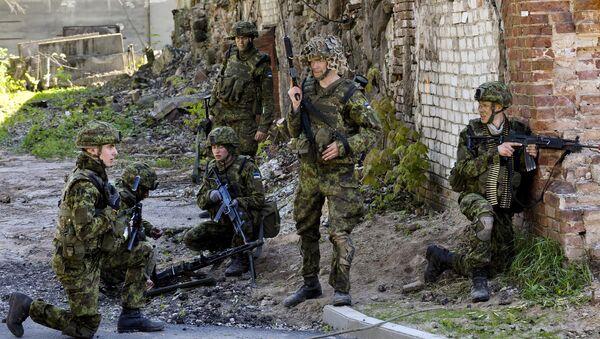 Igaunijas aizsardzības spēki kopā ar NATO sabiedrotājiem. Foto no arhīva - Sputnik Latvija
