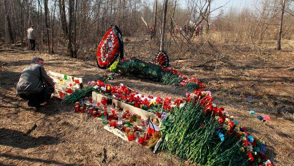 На месте авиакатастрофы под Смоленском. День третий - Sputnik Латвия