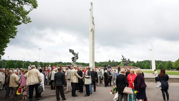 Памятник Воинам-Освободителям Латвии и Риги - Sputnik Latvija