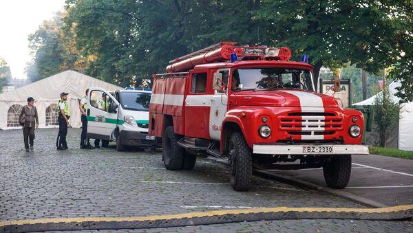 Пожарная и полицейская машины - Sputnik Latvija