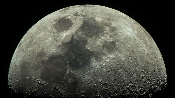 Луна - Sputnik Латвия