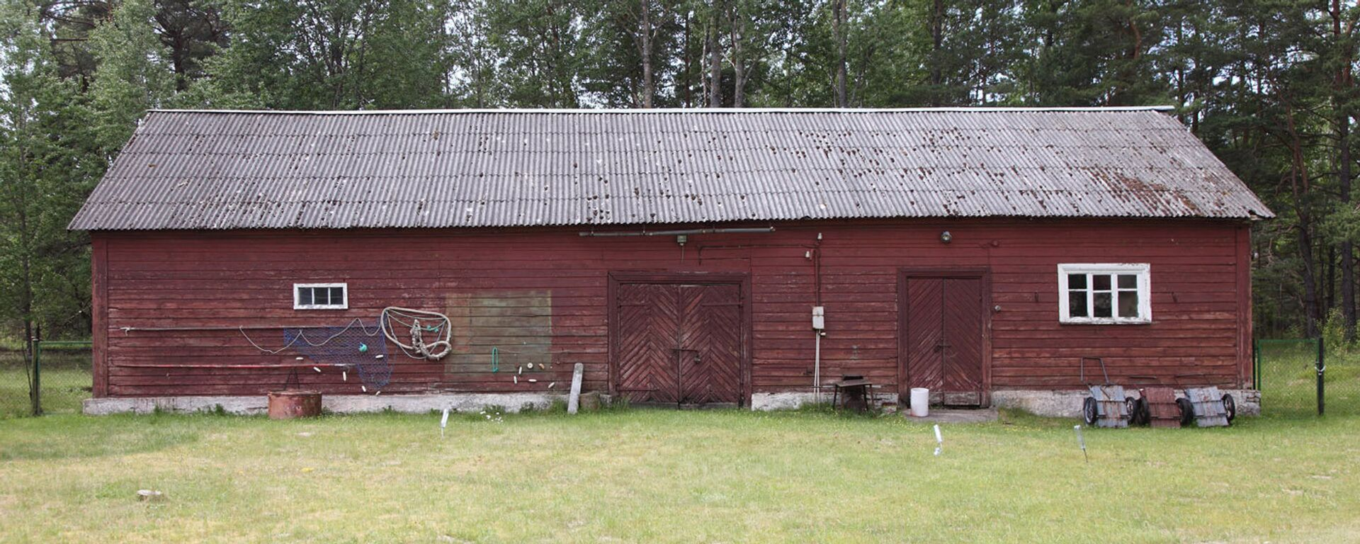 Старинный сарай около маяка - Sputnik Латвия, 1920, 14.07.2018