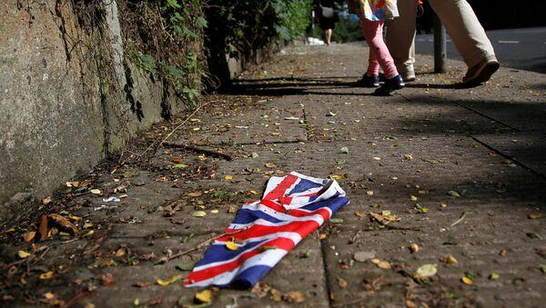 Британский флаг на улице в Лондоне - Sputnik Latvija