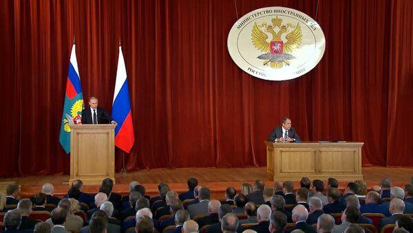 Putins apspriedē ar vēstniekiem – par Ukrainu, Turciju un Brexit - Sputnik Latvija