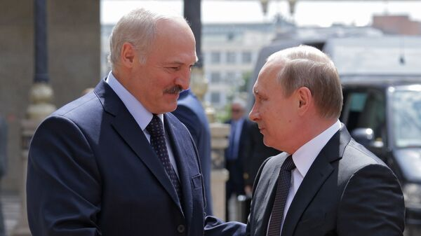 Президенты России и Беларуси Владимир Путин и Александр Лукашенко - Sputnik Latvija