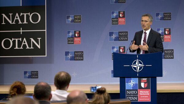 NATO ģenerālsekretārs Jenss Stoltenbergs NATO samitā Varšavā - Sputnik Latvija