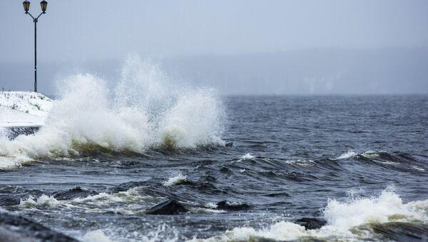 Волны на побережье - Sputnik Латвия