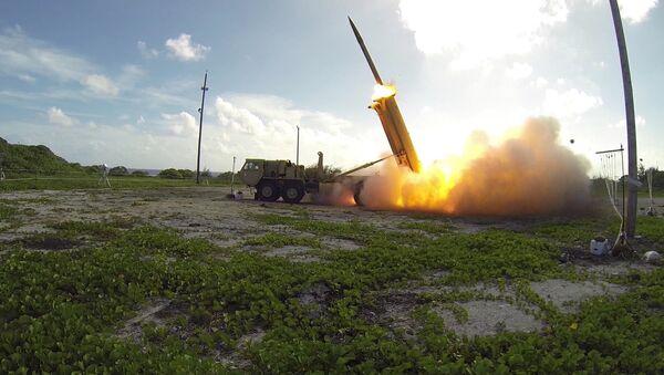 Подвижная пусковая установка THAAD американской системы ПРО, архивное фото - Sputnik Латвия