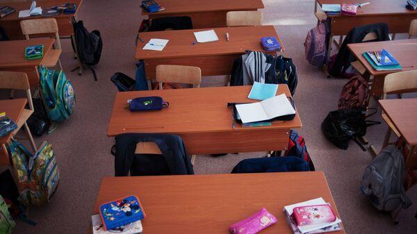 Пустые парты в школе - Sputnik Латвия
