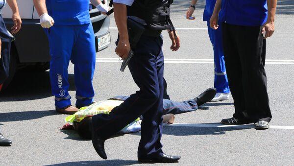 Полицейский погиб в результате стрельбы в Алма-Ате - Sputnik Latvija