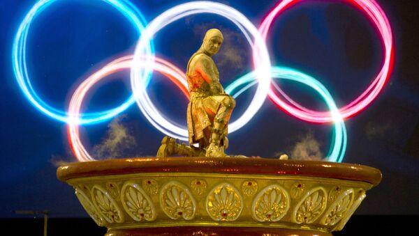 Участник бразильского карнавала в Рио-де-Жанейро - Sputnik Латвия