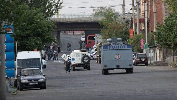 На месте захвата здания полиции в Ереване - Sputnik Латвия
