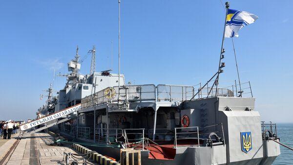 Украинский фрегат Гетман Сагайдачный на военных учениях. Архивное фото - Sputnik Latvija
