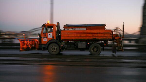 Снегоуборочный автомобиль - Sputnik Латвия