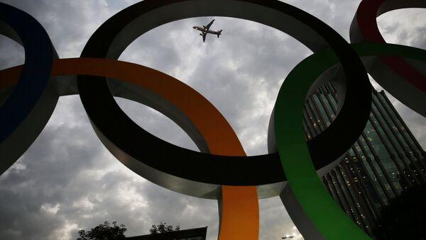 Олимпийские кольца в столице Игр-2016 Рио-де-Жанейро - Sputnik Латвия