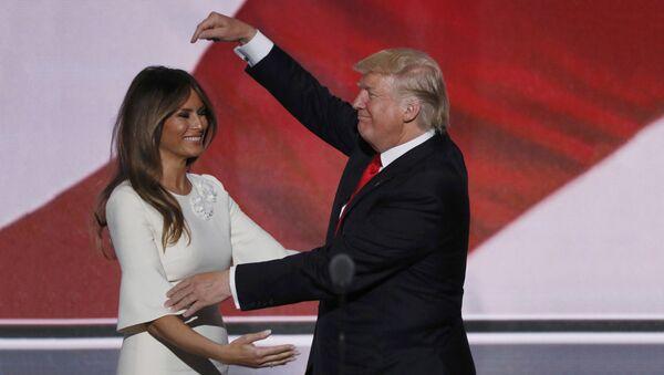 Дональд Трамп и его супруга Меланья Трамп - Sputnik Латвия