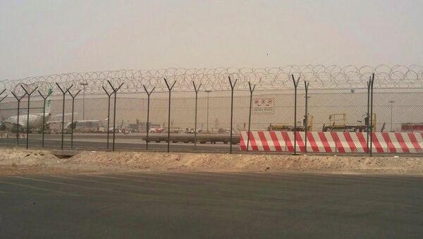 Аварийная посадка рейса авиакомпании Emirates в международном аэропорту Дубай - Sputnik Латвия