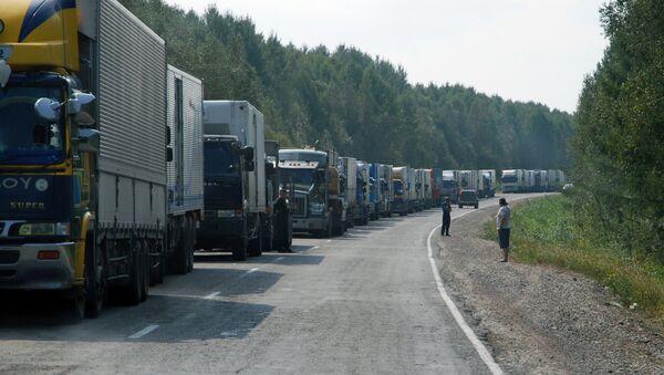 Грузовые автомобили - Sputnik Latvija